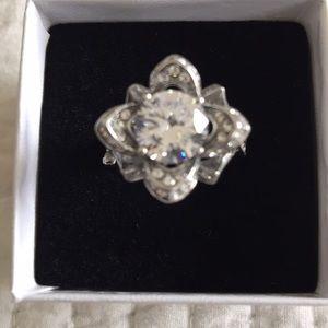 Jewelry - Sterling silver CZ impressive flower ring